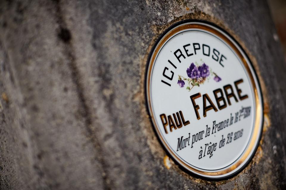 Paul est employé de commerce, il est sous les drapeaux en août 14, il est blessé à la tête le 5 septembre et subit une trépanation. Après un an de convalescence, il est maintenu comme infirmier. Il meurt de la grippe espagnole en septembre 1918.