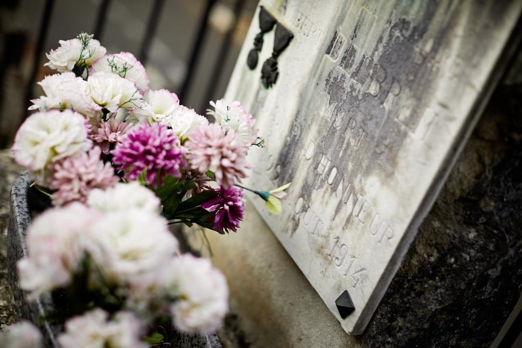 Sa fiche matricule précise qu'il est boucher et sait tuer, il est rappelé le 3 août 14, il meurt  en Belgique le 22 août.