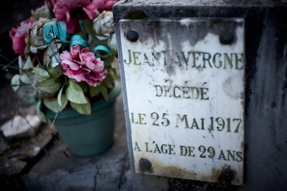 Lanzac, mobilisé le 3 août, service intérieur jusqu'au 18 mai 1916, aux armées le 19 mai 1916, il meurt de ses blessures par obus le 25 mai 1917. Croix de guerre avec étoile de bronze. Un secours d'urgence de 150 fr est payé à sa veuve en septembre 1917.