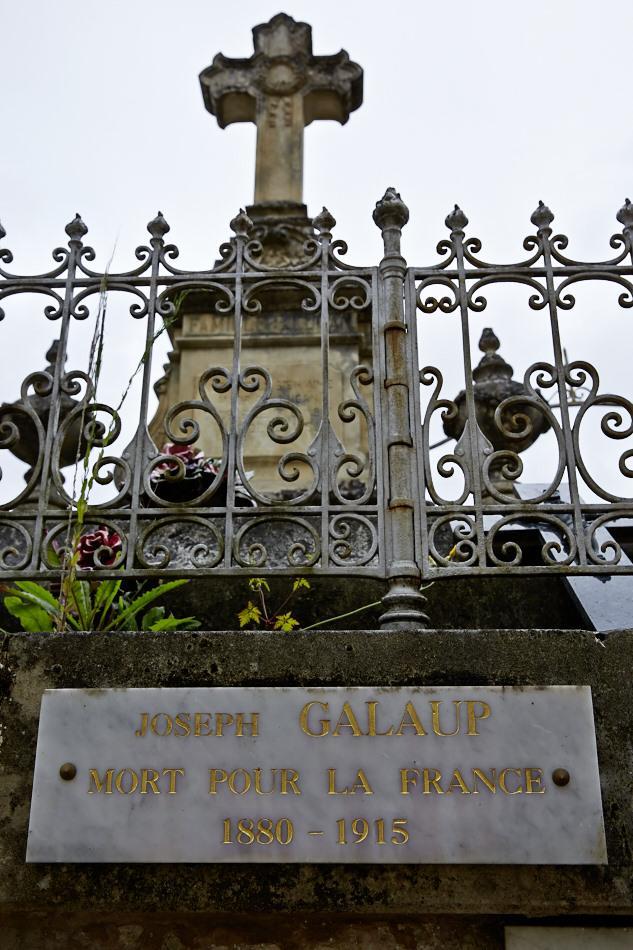 Luzech, Joseph Polycarpe Galaup, chapelier dans le civil, lieutenant au 7° RI, tué à l'ennemi le 12 février 1915.