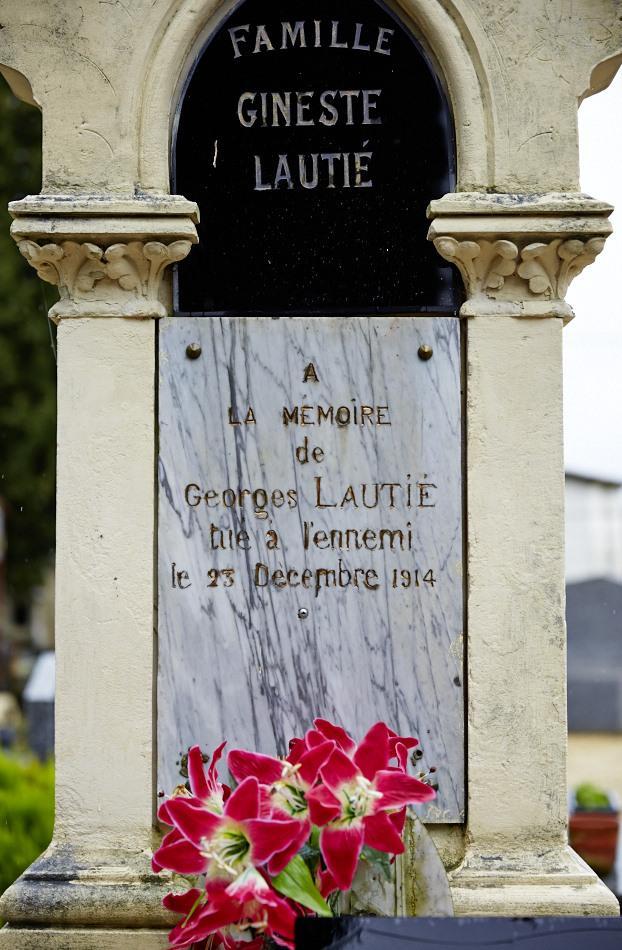 Gourdon, Mort à l'hôpital de Lyon le 23 décembre 1914 d'un phlegmon du cou provoqué par une balle, il avait 40 ans.