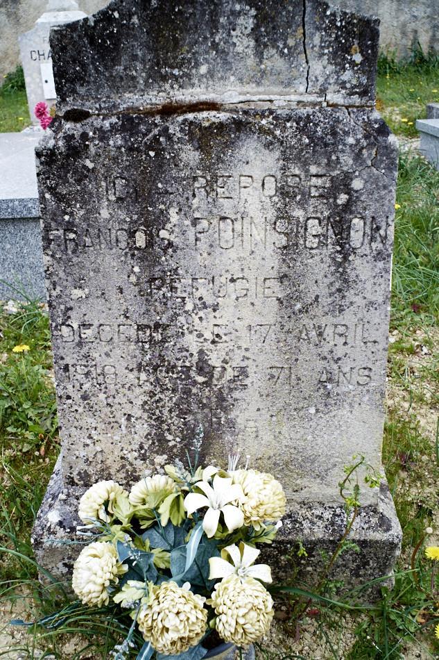 Saint-Pantaléon, tombe d'un réfugié décédé dans le village en 1918