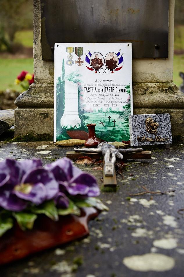 Gourdon, cimetière de Saint Romain, Adrien l'ainé est porté disparu le 29 août 14 et Clément le cadet est tué d'une balle au ventre 18 jours plus tard.