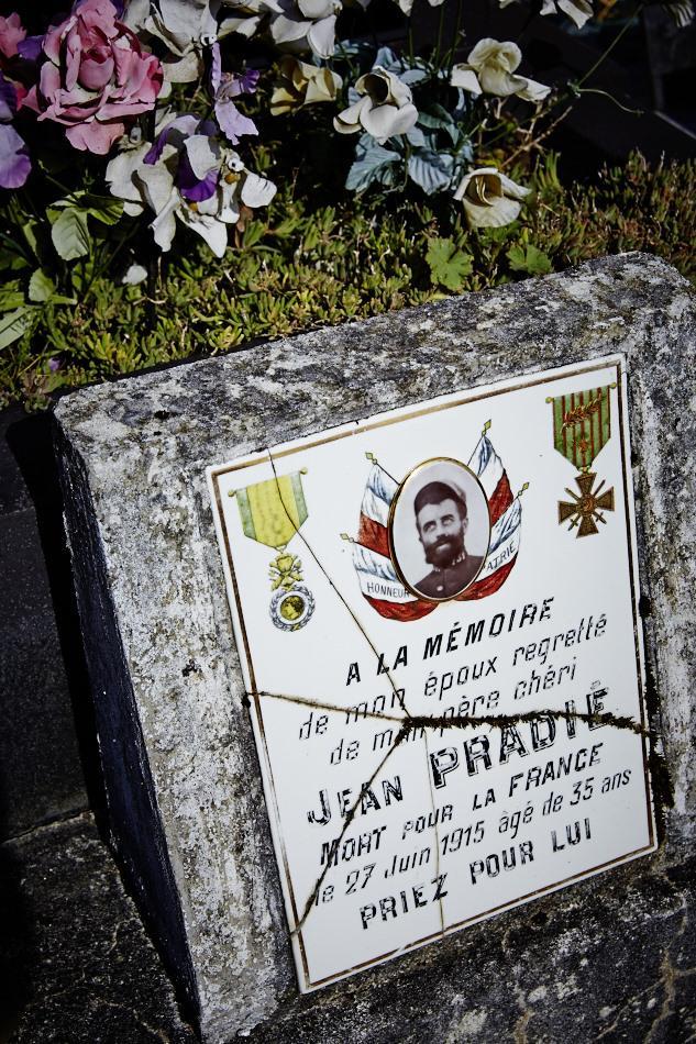 Uzech les Oules, mobilisé en août 14 il meurt de ses blessures à Appremont en juin 15 à 37 ans