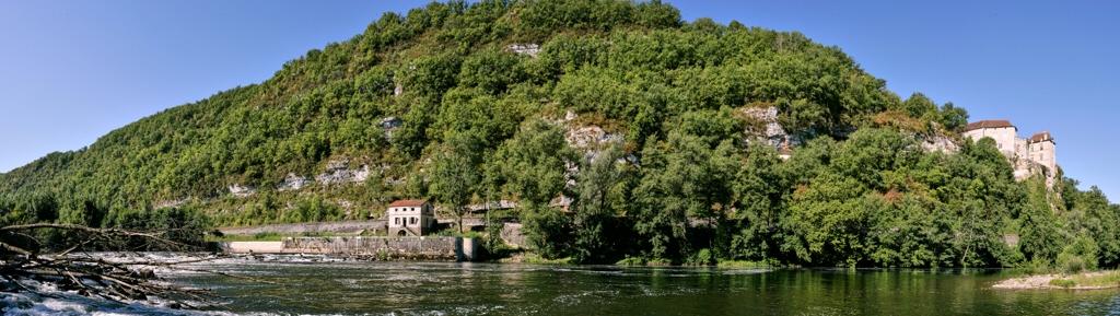 Le Lot, l'écluse et le château de Cénevières