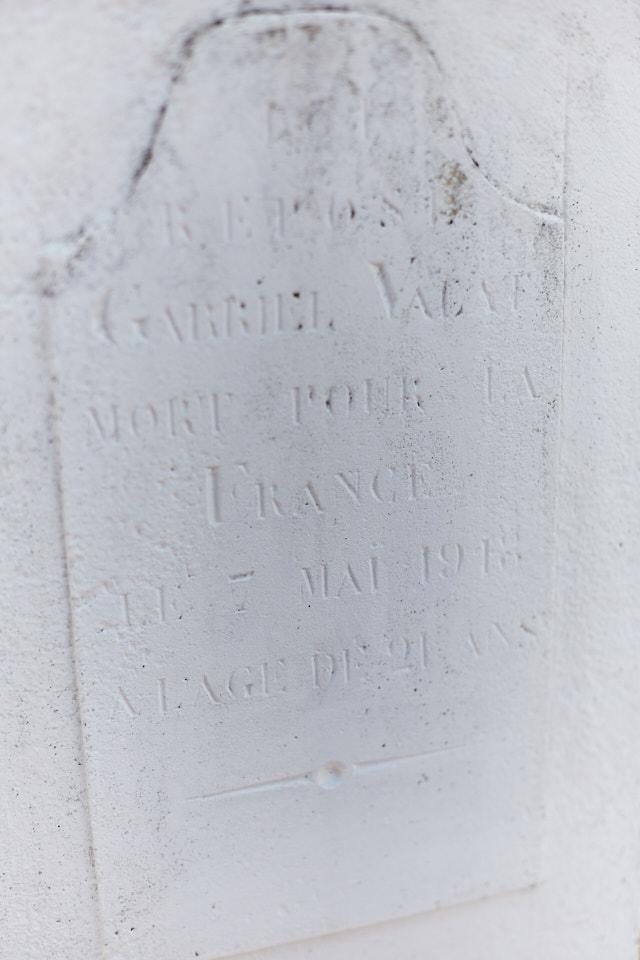 Menuisier à Cabrerets, au front à partir de novembre 16. Il a 21 ans quand il est mortellement blessé en Belgique le 7 mai 1918.